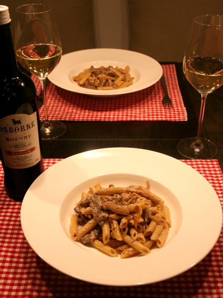 Sherry-Pasta mit Rinderfilet ohne Lauch und Basilkum