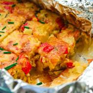 Tortilla mit Paprikagemüse aus dem Ofen