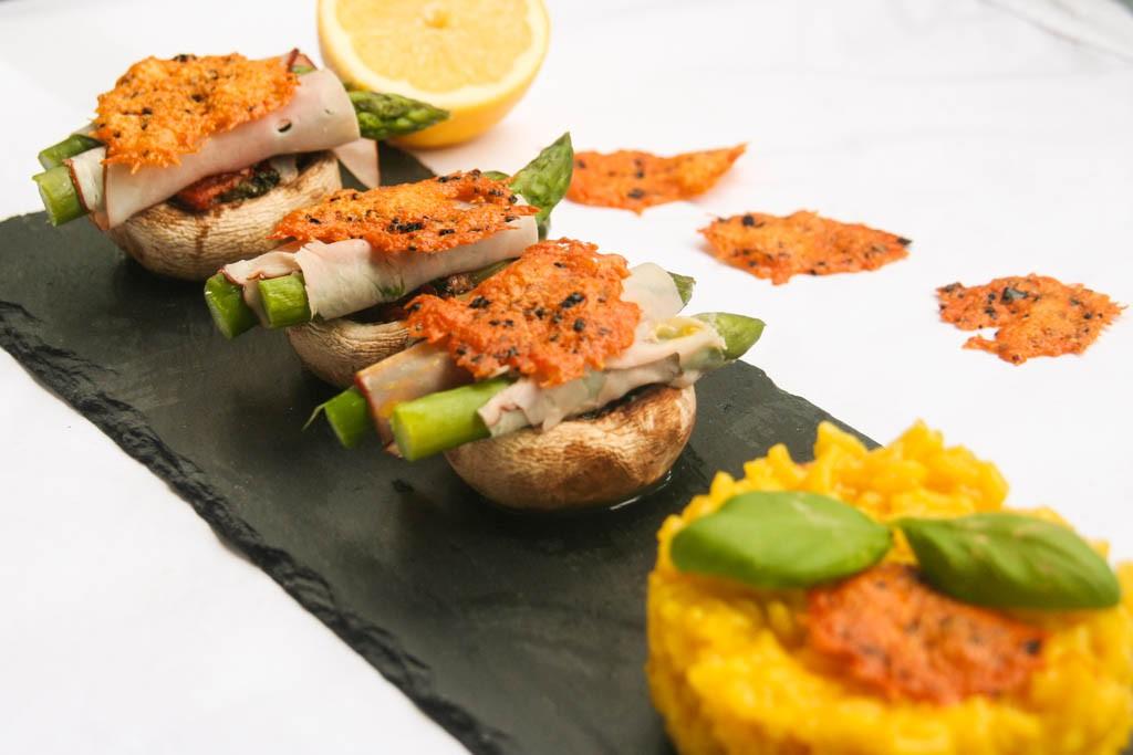 Pilz-Spargel-Burger mit Safranrisotto