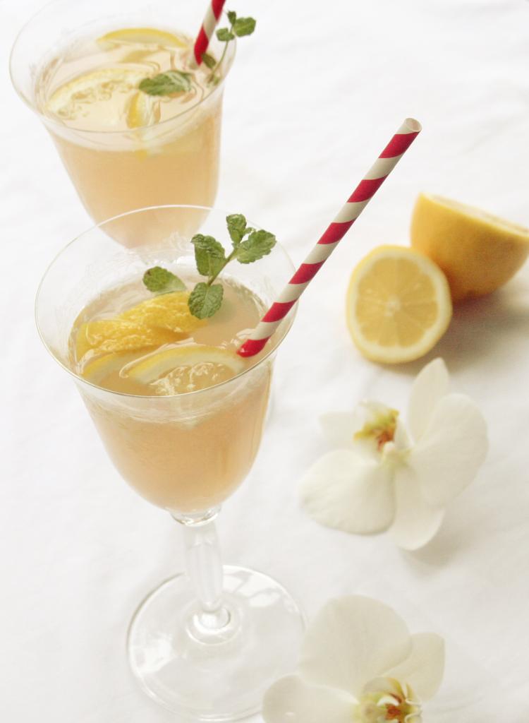 Rhabarber-Gin-Cocktail