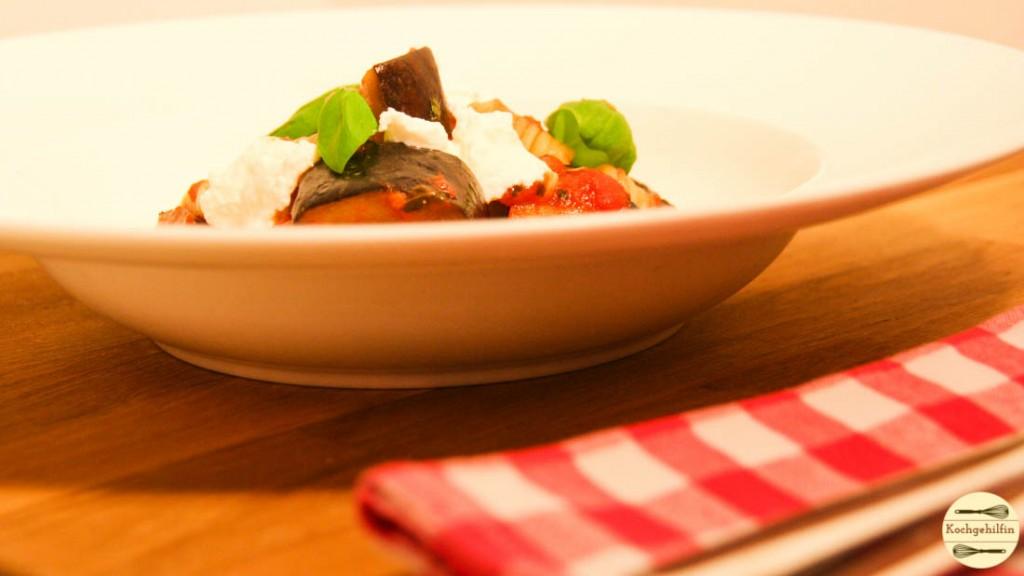 Veggie-Pasta mit Aubergine und Ricotta