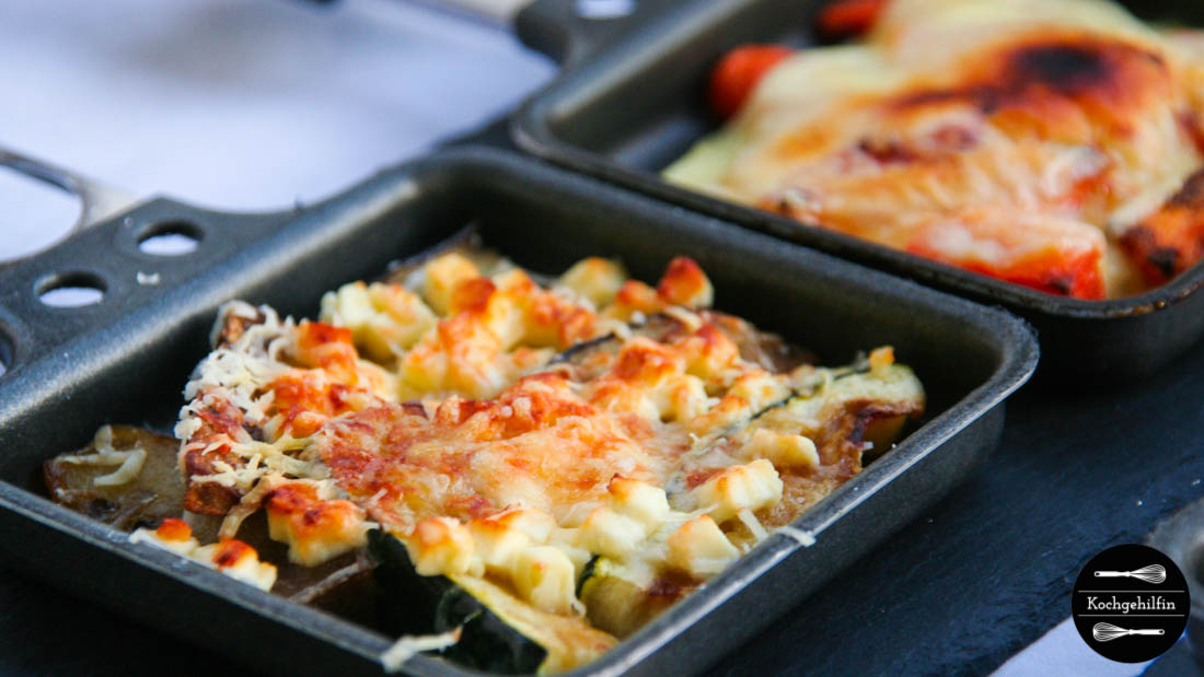 Raclettepfännchen mit Gemüse überbacken